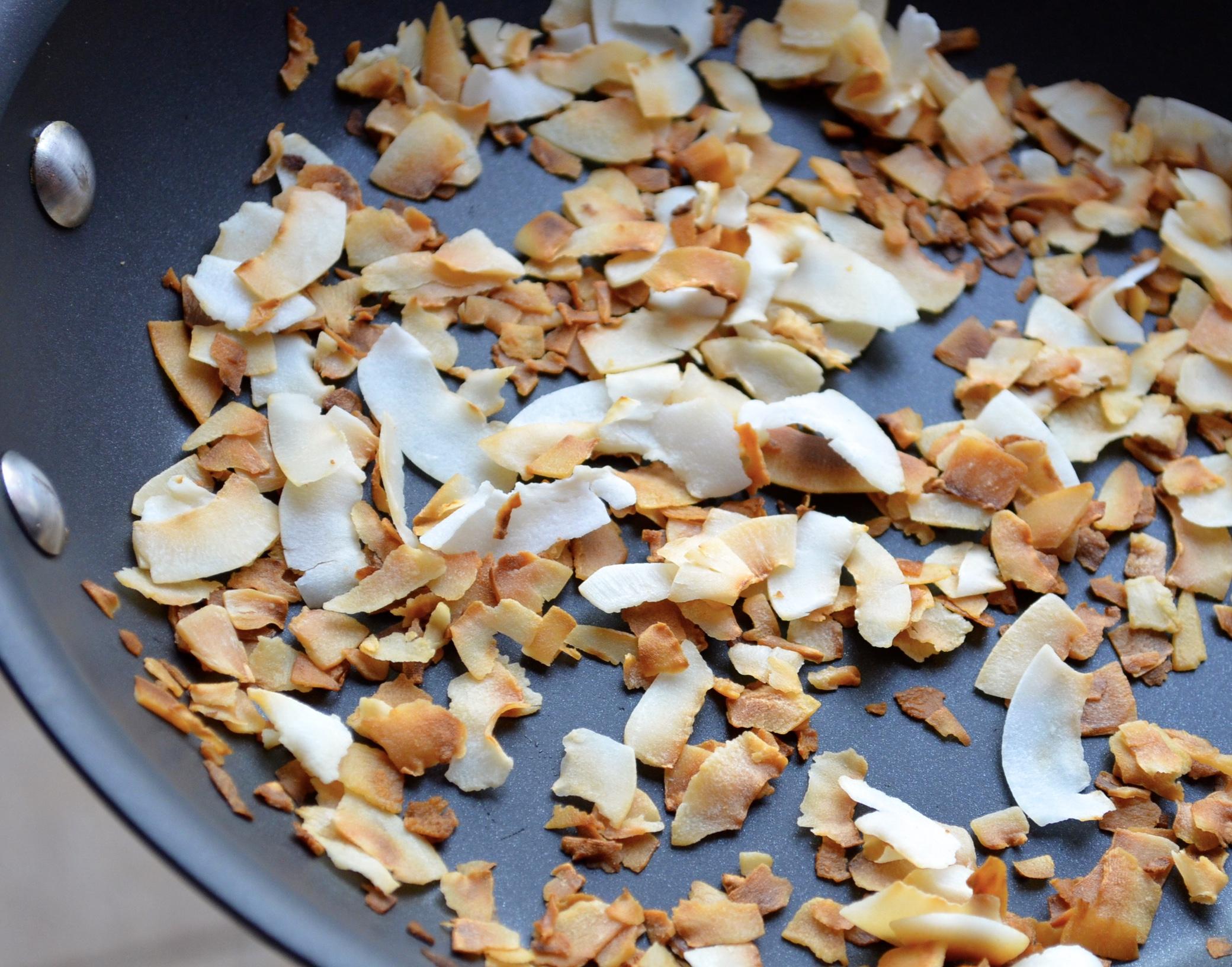 Vegan coconut and pinapple tartelettes