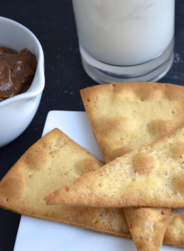 Gluten Free Pizza Chips & Chocolate-Coconut-Peanut Dip