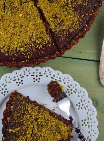 Passover Flourless Chocolate Tart