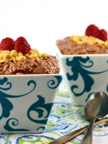 Vegan make ahead chocolate overnight oats. Allow yourself to have chocolate for breakfast!