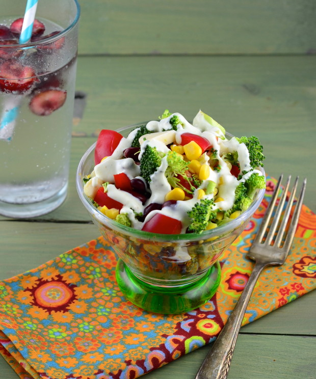 Raw broccoli salad recipe #vegan #vegetarian #salad #memorialDay #vegetarian #broccoli #recipe
