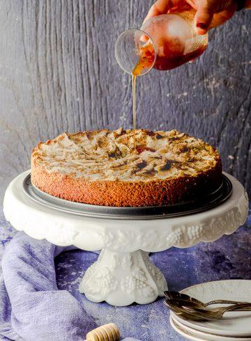 Semolina Apple Cake