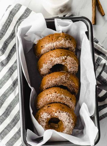 Countdown to Thanksgiving & Hanukkah: Apple Cinnamon Baked Vegan Donuts