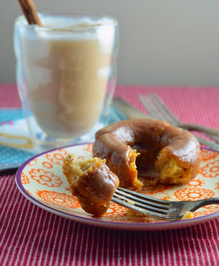 Vegan Apple Cinnamon Baked Donuts