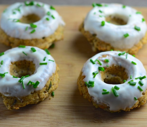 donuts, savory, vegan, tarragon, basil, garlic, thanksgiving, hanukkah, chanukah, thanksgivukkah, vegetarian, kosher,