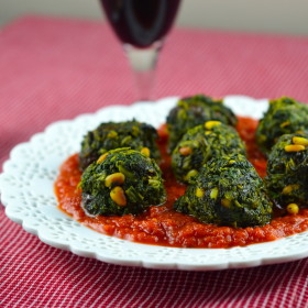 "Meatless Monday: Spinach ""meatballs"" in Spicy Tomato Sauce #meatlessMonday #spinach, #vegan #glutenFree #kosher #vegetarian #pinenuts #raisins #spicy #recipe"