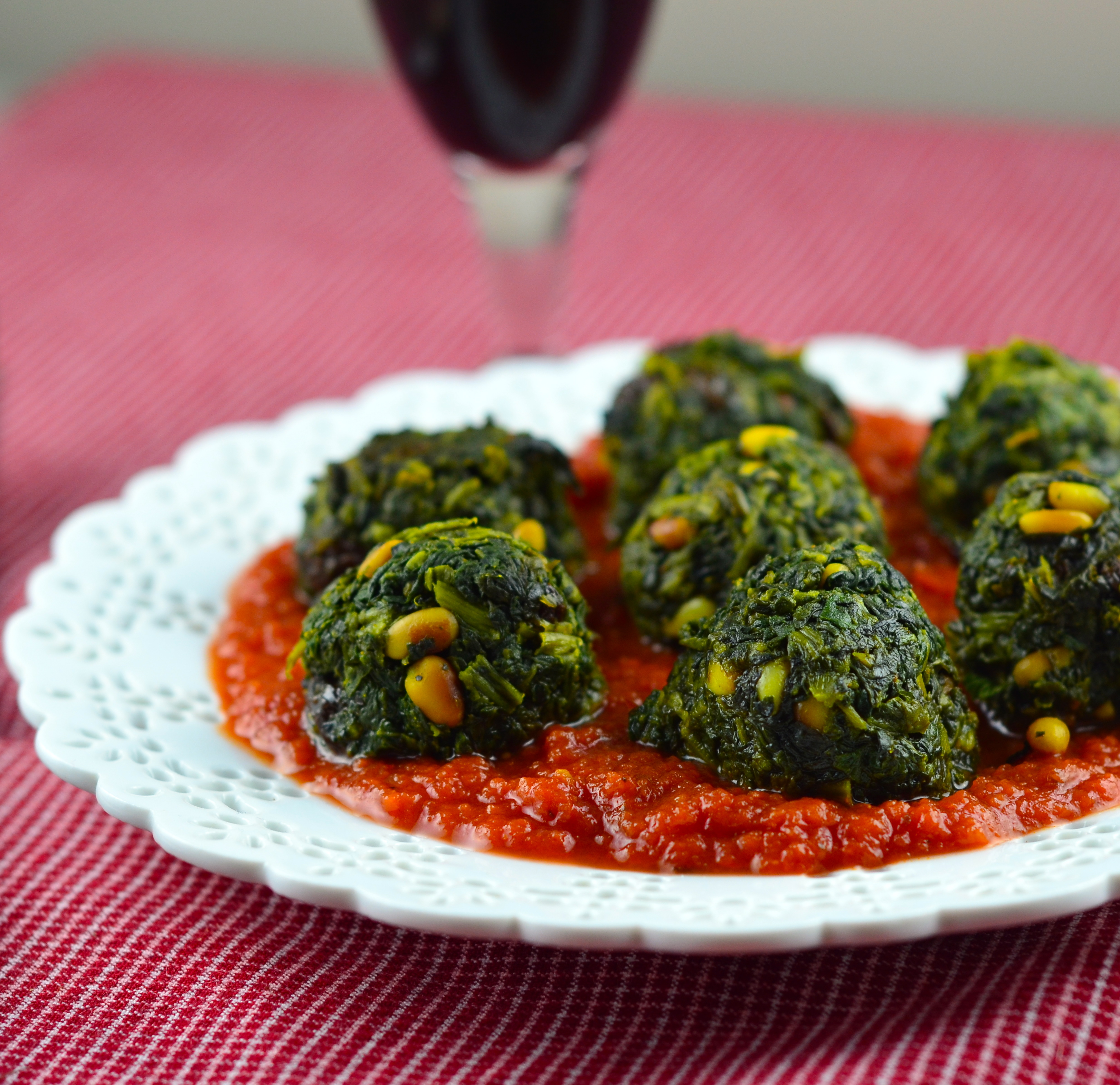 Spinach Veggie Meatballs In Spicy Tomato Sauce – Vegan & Paleo!
