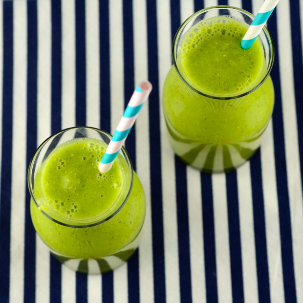 Tropical Green Smoothie #vegan #smoothie #tropical #drink #breakfast #healthy