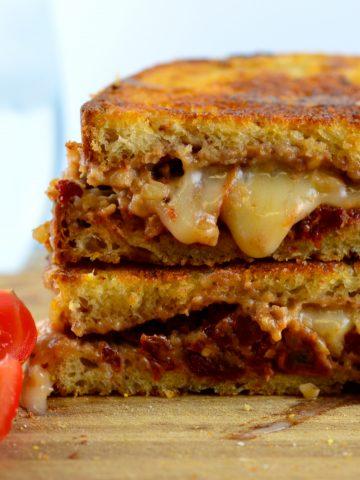 Vegan Grilled Cheese Sandwich #Vegan #kosher #GoVeggie