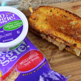Vegan Grilled Cheese Sandwich #vegan #grilled Cheese #kosher #GoVeggie