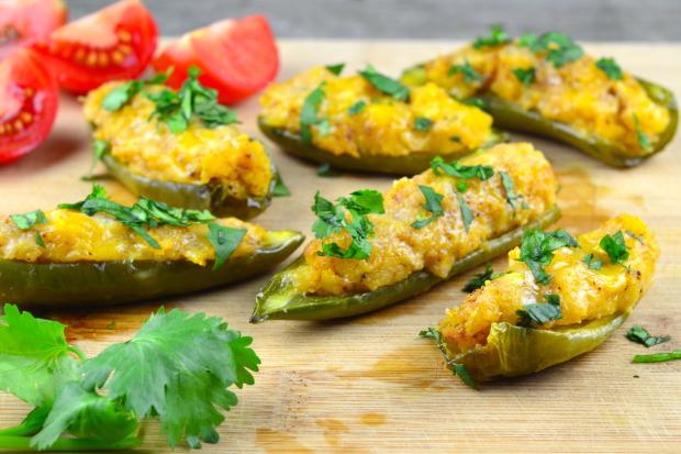 Plantain and cheese Stuffed jalapeños #vegan #glutenFree #vegetarian #meatllessMonday #yuca #guacamole #avocado #GoVeggie