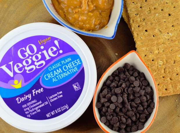 No-Bake Peanut Butter & Chocolate Vegan Cheesecake #cheesecake #vegan #chocolate #peanutButter #Vegan #glutenFree #dessert #kosher