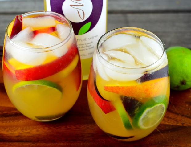 Summery Passion Fruit Sangria - #MoradWines #sangria #summer #Kosher #Peaches #nectarimes #plums #Drinks