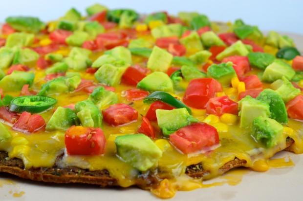 Mexican Style Vegan Pizza #Pizza #vegan #GoVeggie #avocado #Beans #Tomato #corn #summer