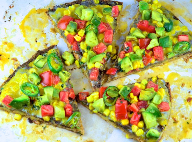 Mexican Style Vegan Pizza #Pizza #vegan #GoVeggie #avocado #Beans #Tomato  #corn #summer