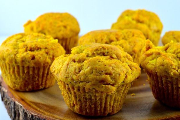 Ginger, Pear & Turmeric Muffins - Tired of the same old muffins? Spice up your breakfast with these fragrant and unique muffins - #Vegan, #Muffins, #breakfast, #vegetarian, #pear, #ginger, #turmeric, #recipe #kosher