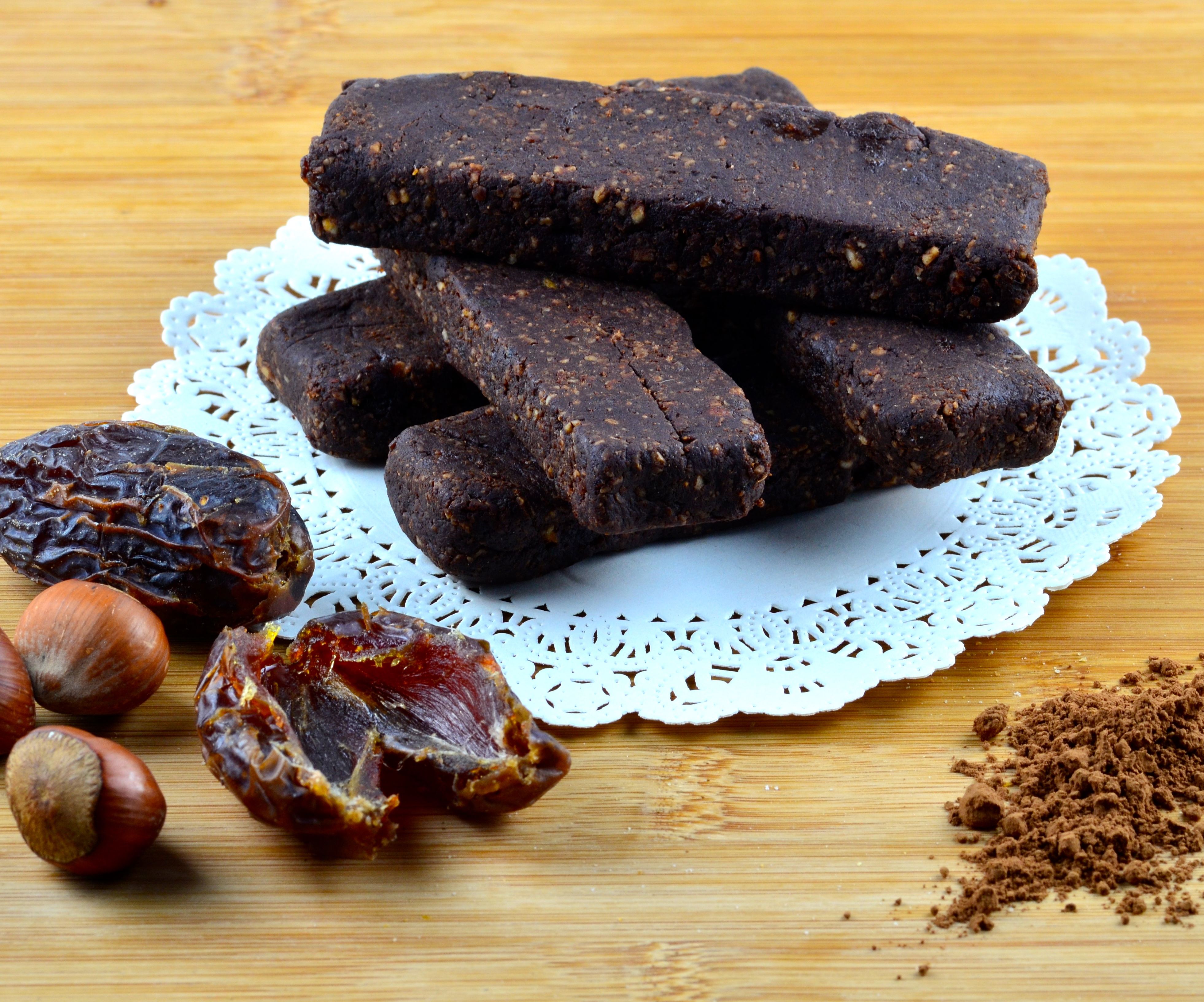 Date, Cocoa & Hazelnut Bars – No sugar Added!