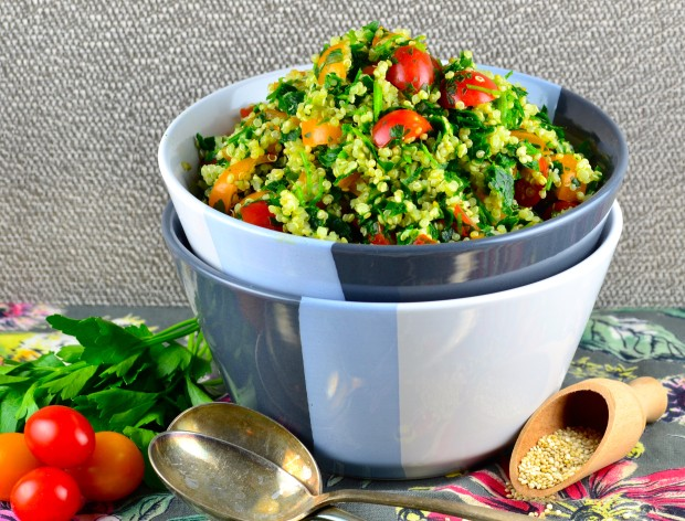 Quinoa Tabbouleh - New and exciting not only for passover passover recipe. Using quinoa instead for Bulgur wheat in the recipe, makes this tabbouleh salad gluten free, healthy, vegetarian, vegan and higher in protein.