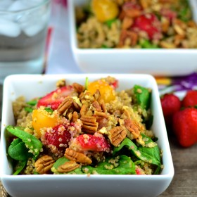 Spinach, Strawberry & Quinoa Salad #vegan #glutenFree #salad #memorialDay #picnic #kosher #spinach #strawberry #plantBased #quinoa #recipe