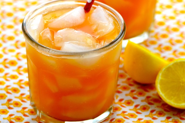 Refreshing Nectarine Lemonade Perfect for summer picnics and BBQ