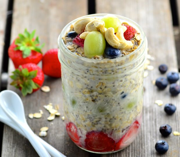 Cashew & Banana Overnight Oats #Vegan #oats #breakfast #cashew #silk