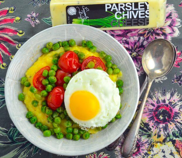 Peas, cheese and grits - Great vegetarian breakfast, lunch or dinner. #vegetarian #kosher #peas #tomatoes, #cheese @sincerelybrigitte