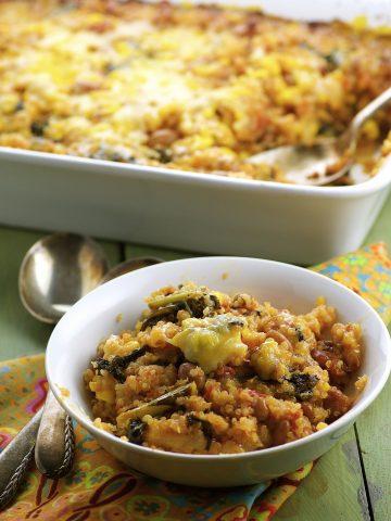 Quinoa, balck beans, corn and vegan cheese make this quinoa bake irresistible.