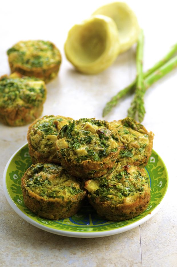 Asparagus Artichoke Frittatas - easy grab and go breakfast, snack or light lunch. Full of protein and great for Passover too