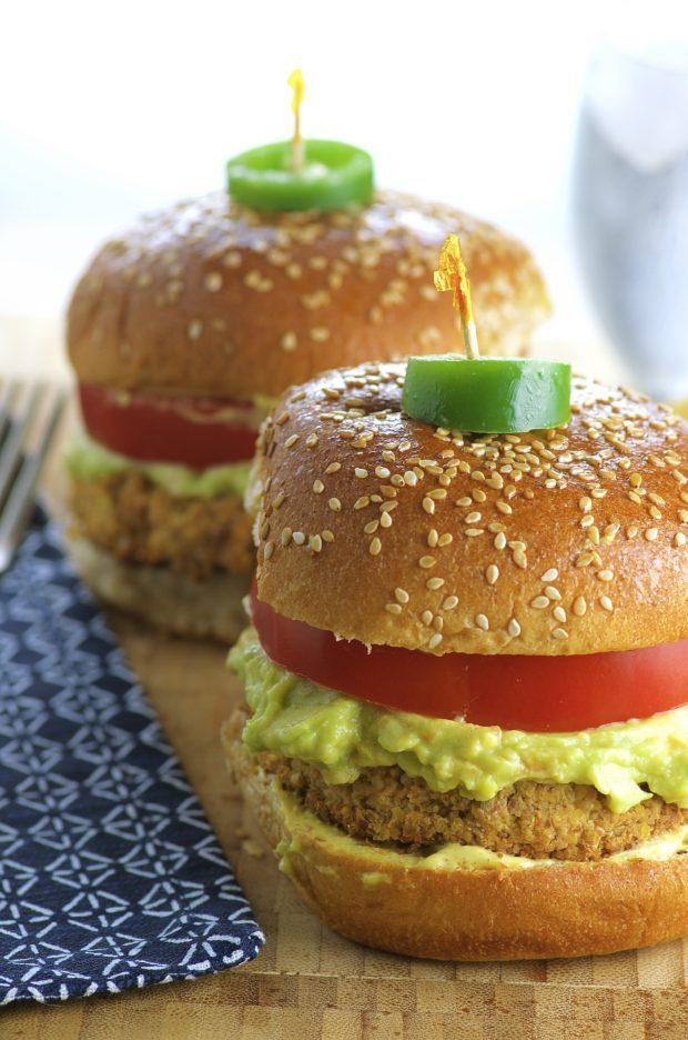 Super tasty and never boring Cauliflower veggie burger with a tangy avocado guacamole. Vegan