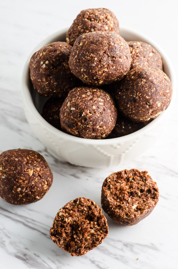 One Bowl Cocoa Nut Energy Bites - great as a pre or post workout snack, after school snack or afternoon pick me up. Vegan