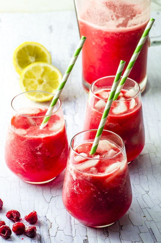 Date Sweetened Raspberry Lemonade
