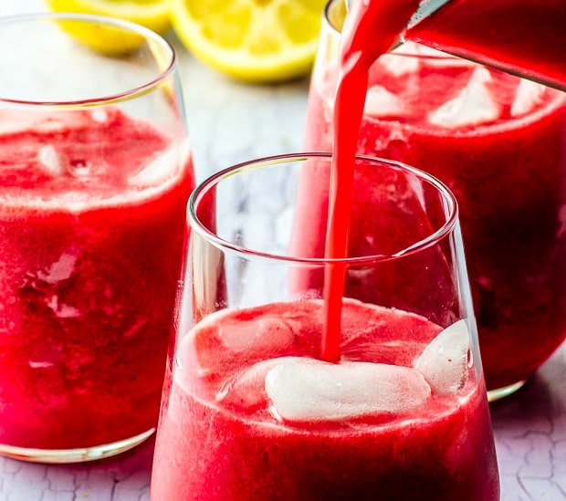 Recipes with dates: date sweetened raspberry lemonade