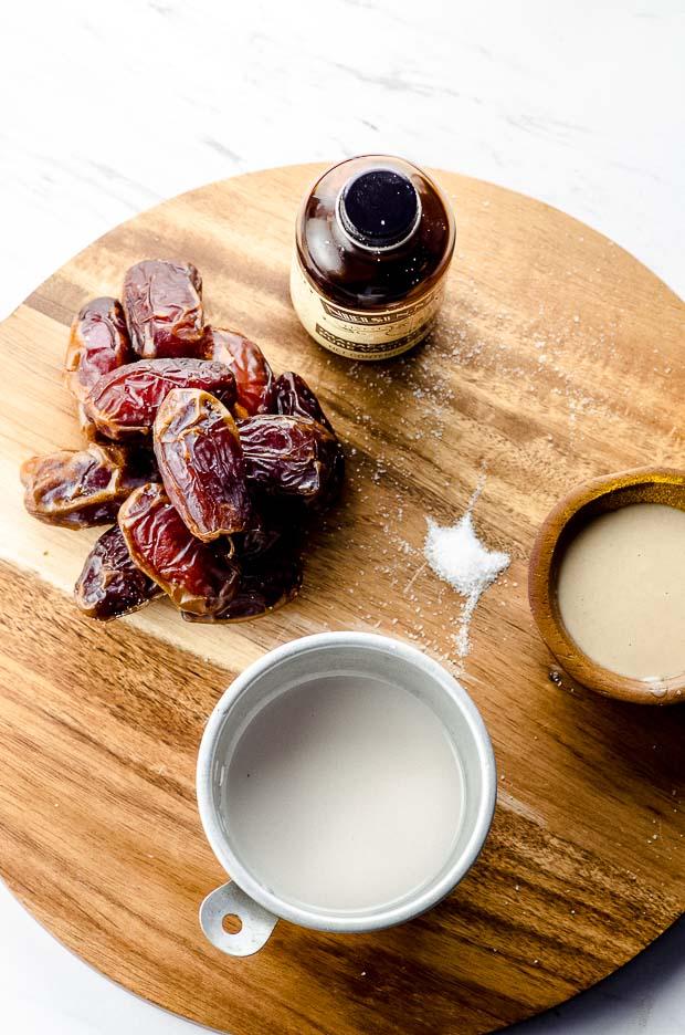 Ingredients to make date caramel