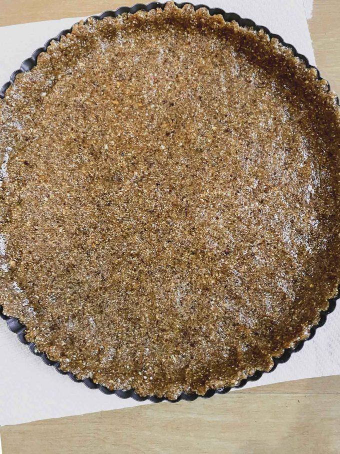 hazelnut and date crust
