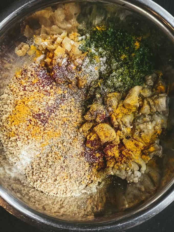 Steamed eggplant with spice and bread crumbs